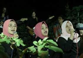 Berbagai Pertunjukan di malam pembukaan Pameran Bakureh Project - 01 - Pertunjukan Komposisi Musik Manjuk Upah Kini Re
